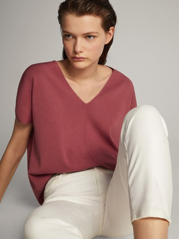 Layered v-neck short sleeve sweater