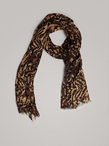 ANIMAL PRINT WOOL SCARF