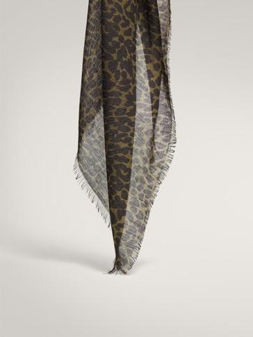 Leopard print 100% wool scarf