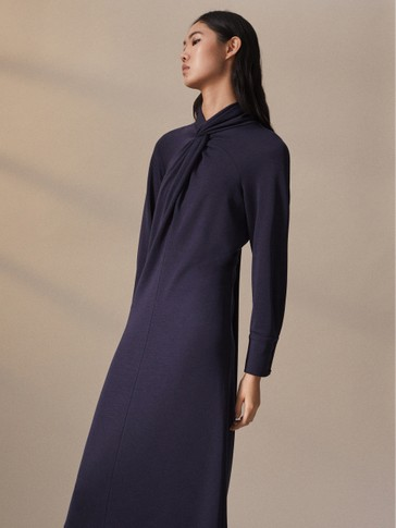 NAVY DRESS WITH KNOTTED COLLAR