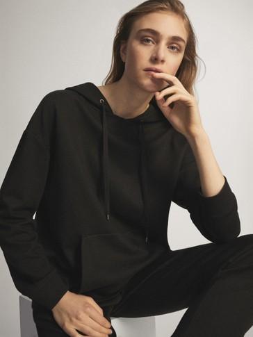 블랙 노이즈 후드 스웨트셔츠