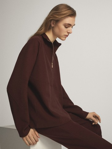 RAGLAN SLEEVE ZIPPED SWEATSHIRT