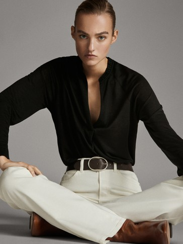 V-NECK LONG SLEEVE T-SHIRT WITH RUFFLE DETAIL