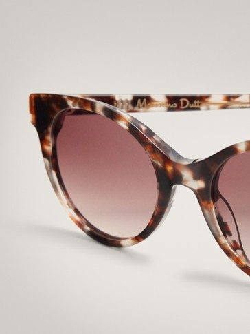 Tortoiseshell resin sunglasses