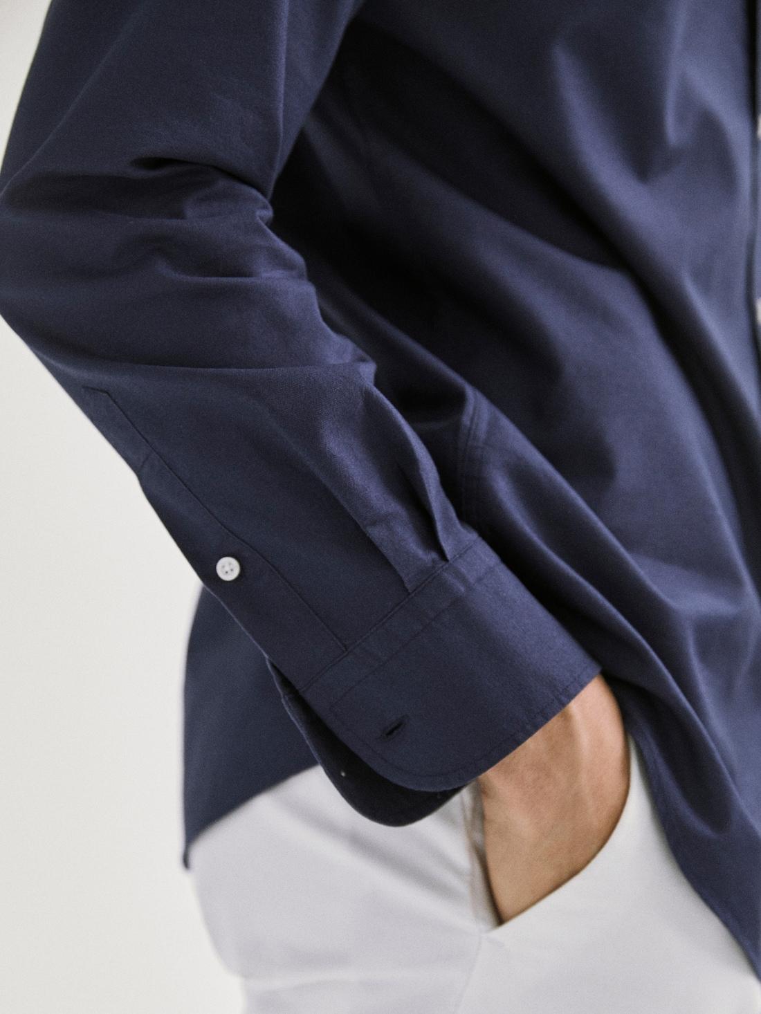 РУБАШКА КЛАССИЧЕСКОГО КРОЯ ИЗ ХЛОПКОВОЙ ТКАНИ ОКСФОРД ТЕМНО-СИНИЙ Massimo Dutti