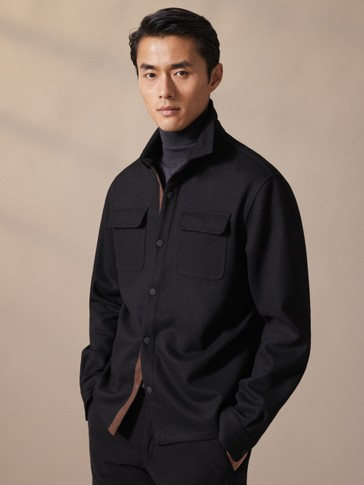 BLACK OVERSHIRT WITH POCKETS