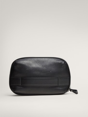 BLACK MONTANA LEATHER TOILETRY BAG