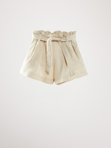 SHORTS WITH BELT DETAIL
