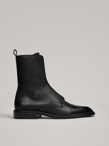 LACE-UP ANKLE BOOTS WITH TOE CAP