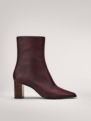 BURGUNDY ANKLE BOOTS WITH WOODEN HEELS