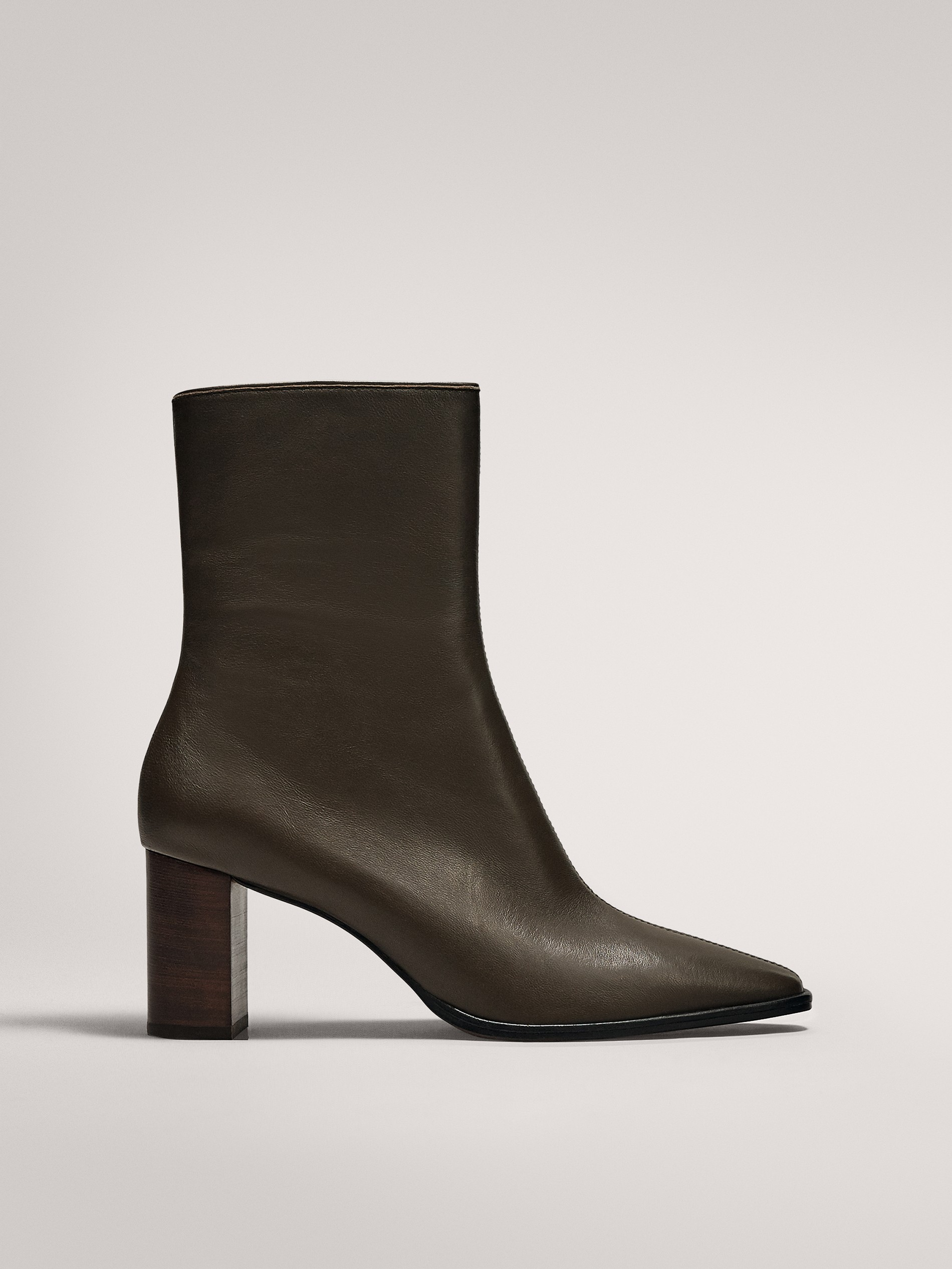 KHAKI ANKLE BOOTS WITH WOODEN HEELS