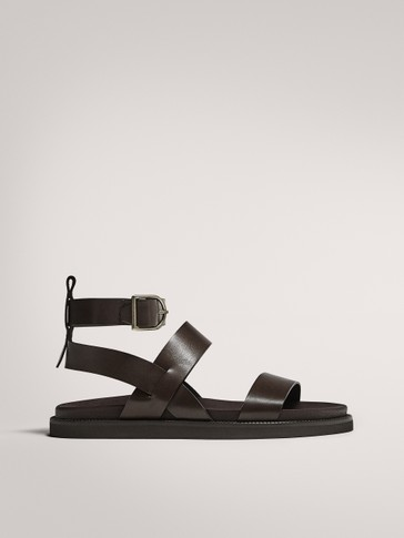 FLAT WIDE-STRAPPED BROWN SANDALS