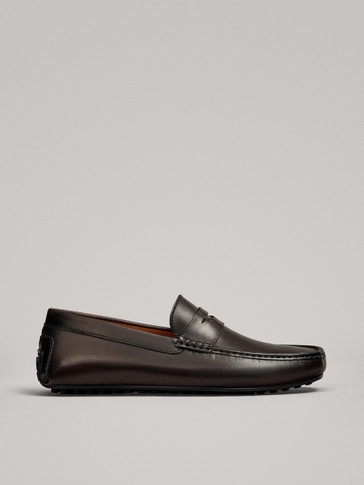 BRUSHED BROWN LOAFERS