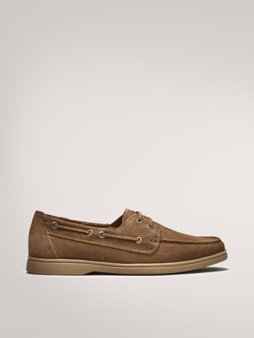 CAMEL-COLOURED SPLIT SUEDE DECK SHOES