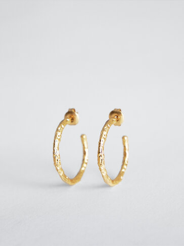 Gold-plated open hoop earrings