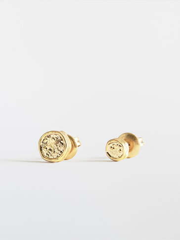 Pack of gold-plated button earrings