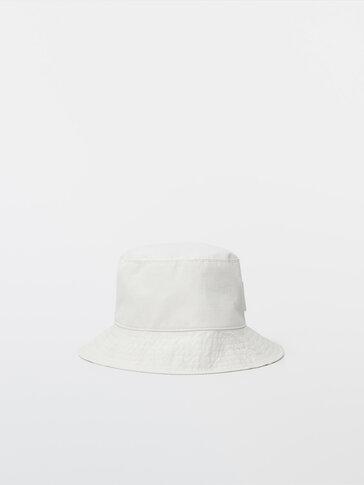 Bucket-Hat aus Leder mit Kordel