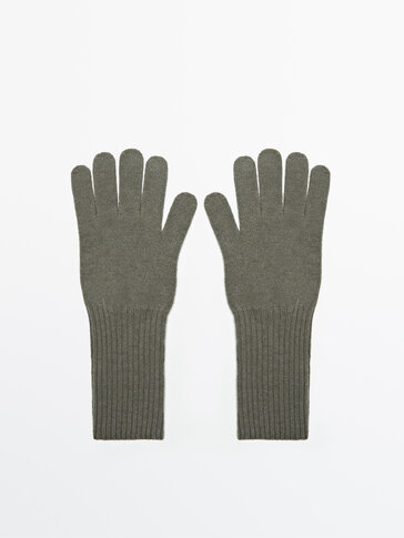 Cashmere and wool gloves