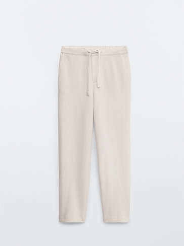 Jogging-fit trousers with an adjustable waist