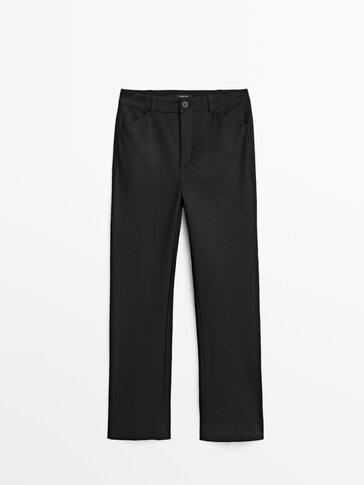 Pantalón casual kick flare