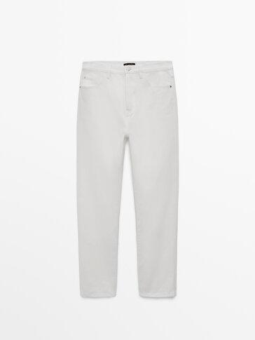 Kõrge vöökohaga sirgelõikelised teksad