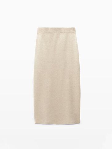 Трикотажна пола с дължина под коляното
