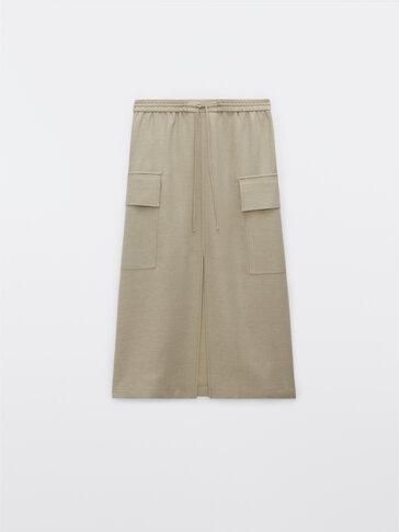 Flowing cargo skirt