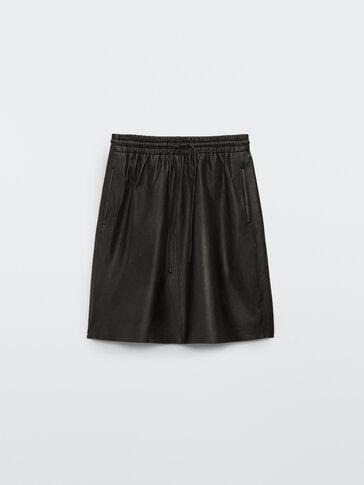 Black nappa leather short skirt
