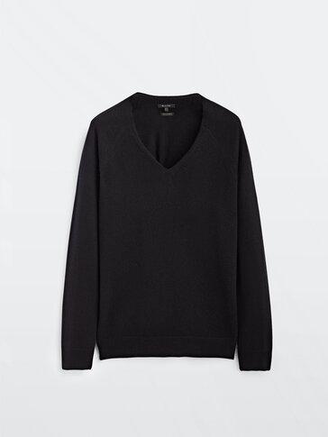 100% cashmere v-neck sweater