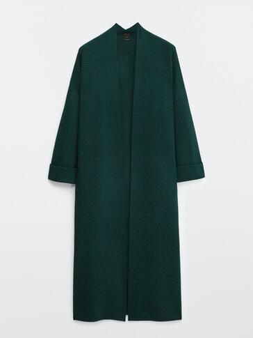Дълго зелено трикотажно палто