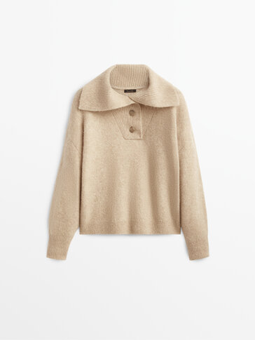 Knit sweater with buttoned collar
