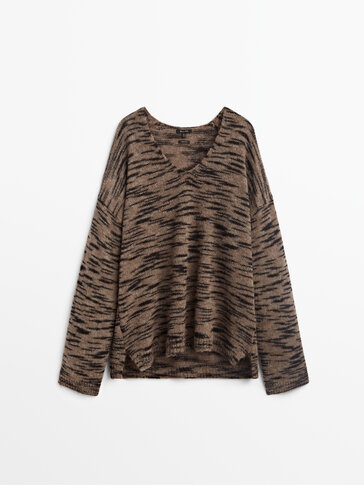 Printed effect sweater