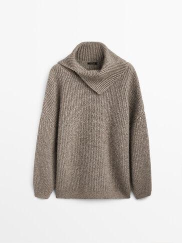 Open-neck cape sweater