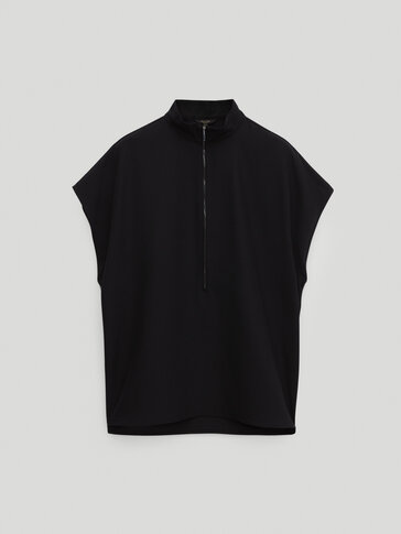 Black twill top with zip