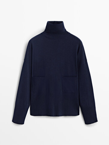 High neck sweater with pockets