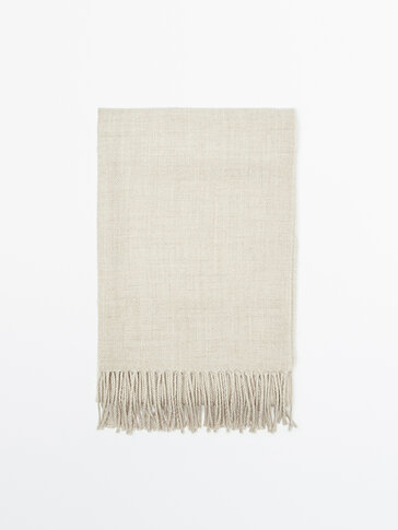 100% wool scarf with fringing