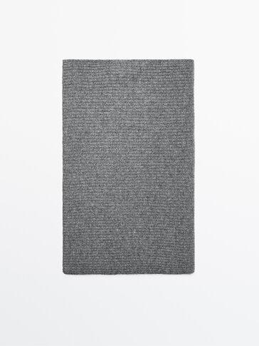 Écharpe en maille côtelée en laine cachemire