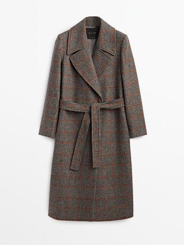 Вълнено палто на каре с оранжеви линии