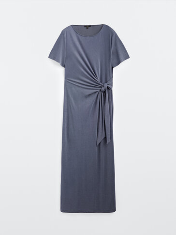 Vestito lungo con nodo laterale