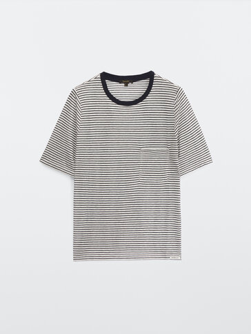 Striped short sleeve T-shirt with a pocket