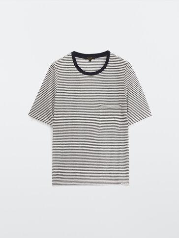 T-Shirt mit Querstreifen und Tasche