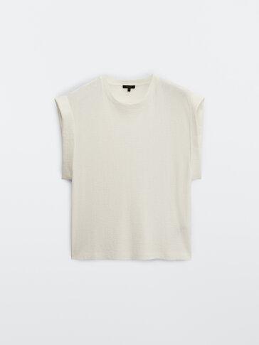 100% cotton textured T-shirt