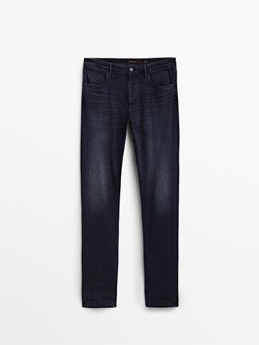 Ciemnogranatowe jeansy slim fit