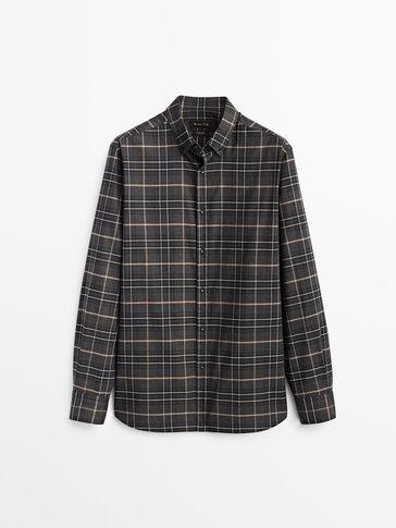 Koszula w kratkę o kroju slim 100% bawełna