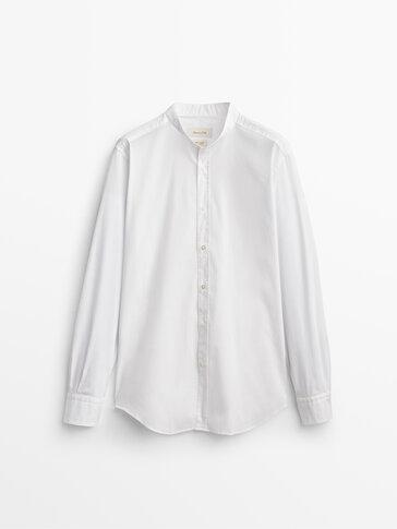 Bavlnená košeľa úzkeho strihu so stojačikovým golierom