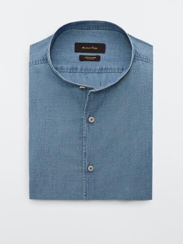 Slim fit denimová košeľa so stojačikovým golierom