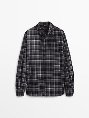Koszula w kratkę o kroju regular fit ze 100% bawełny