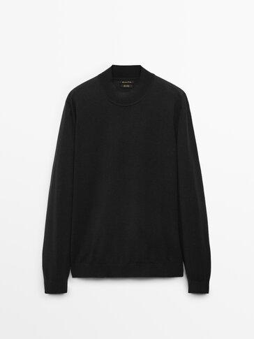 100% wool turteneck sweater