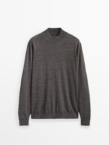 Mock turtleneck sweater in 100% wool