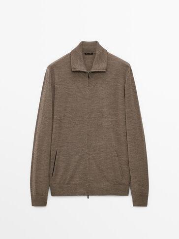 Cardigan in 100% merino wool